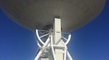 「ミリ波」と呼ばれる電波を観測できる電波望遠鏡としては世界最大とか。ミリという言葉には親近感。